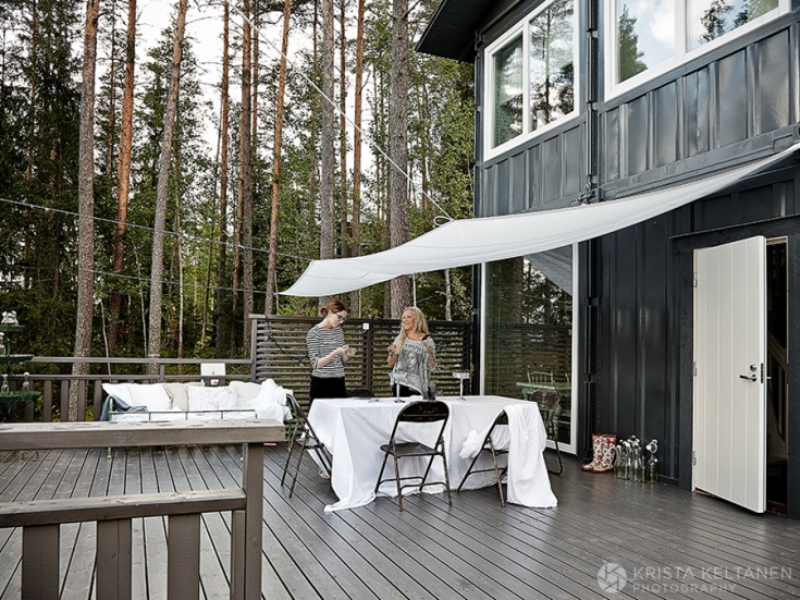 04-2015-container-interior-home-decoration-kontti-cottage-scandinavia-finnish-interior-lessismore-photo-krista-keltanen-03